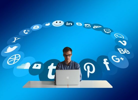 People Share Social Media